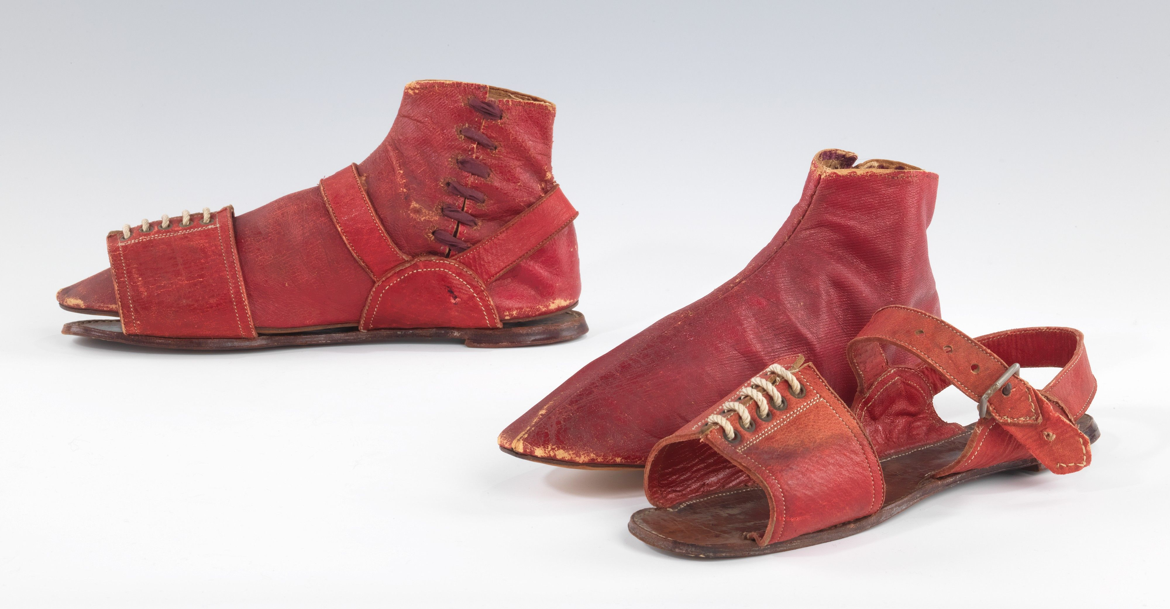1820 30s Set Of Boots (flimsy) And Pattens (for Heavier Walking Duty