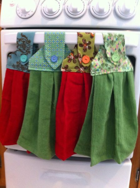 I made these cute hanging hand towels at the request of my mama–she has one with a crocheted top, but it hasn't worn well in the wash. I found a great tutorial online, with step-by-ste… #handtowels