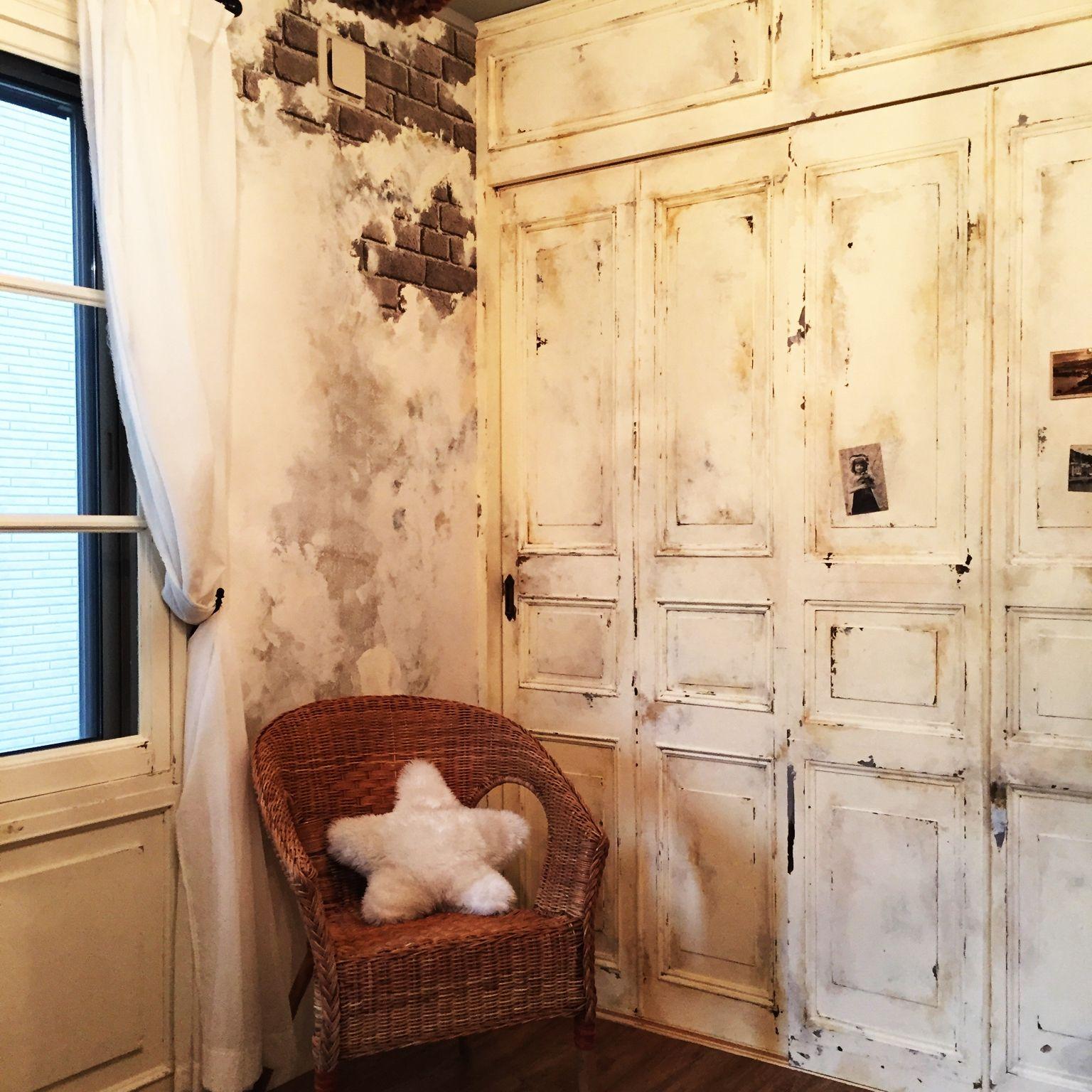 古ダサい ふすま を何とかしたい 壁紙貼ってdiy ビンテージ風やパリ風 男前系も自在な変身ぶり Limia リミア インテリア 和室を洋室にリフォーム Diy インテリア 実例