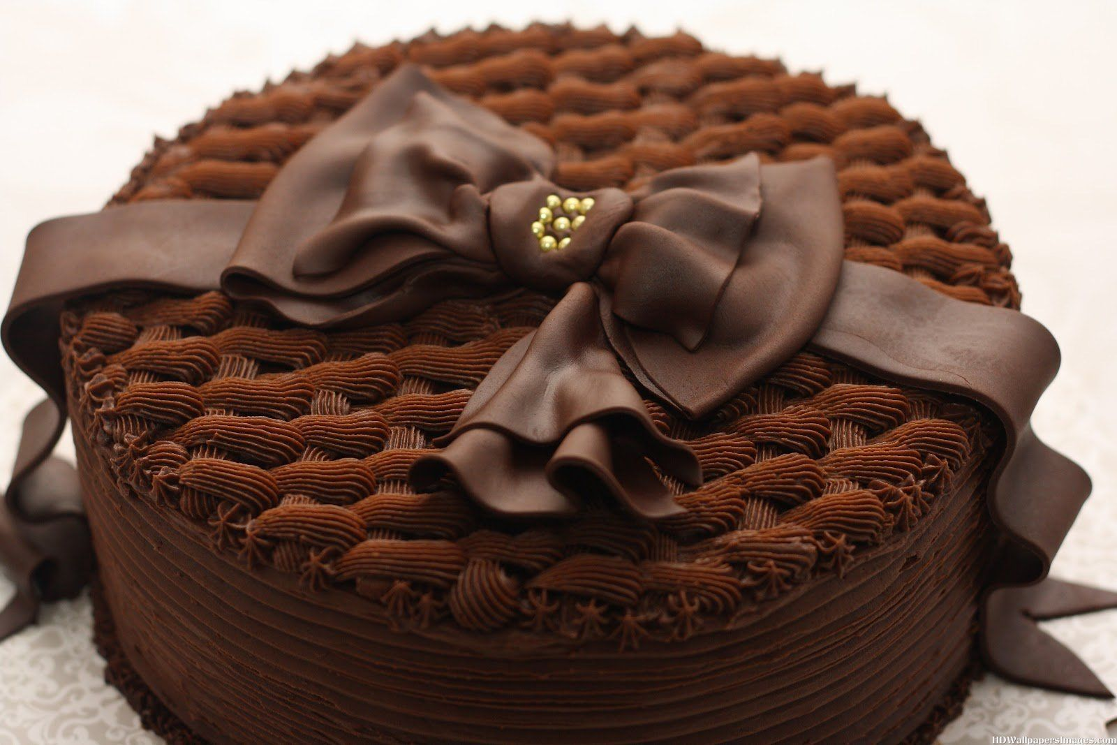 Delicious dazzling chocolate birthday cakes Birthday is special and