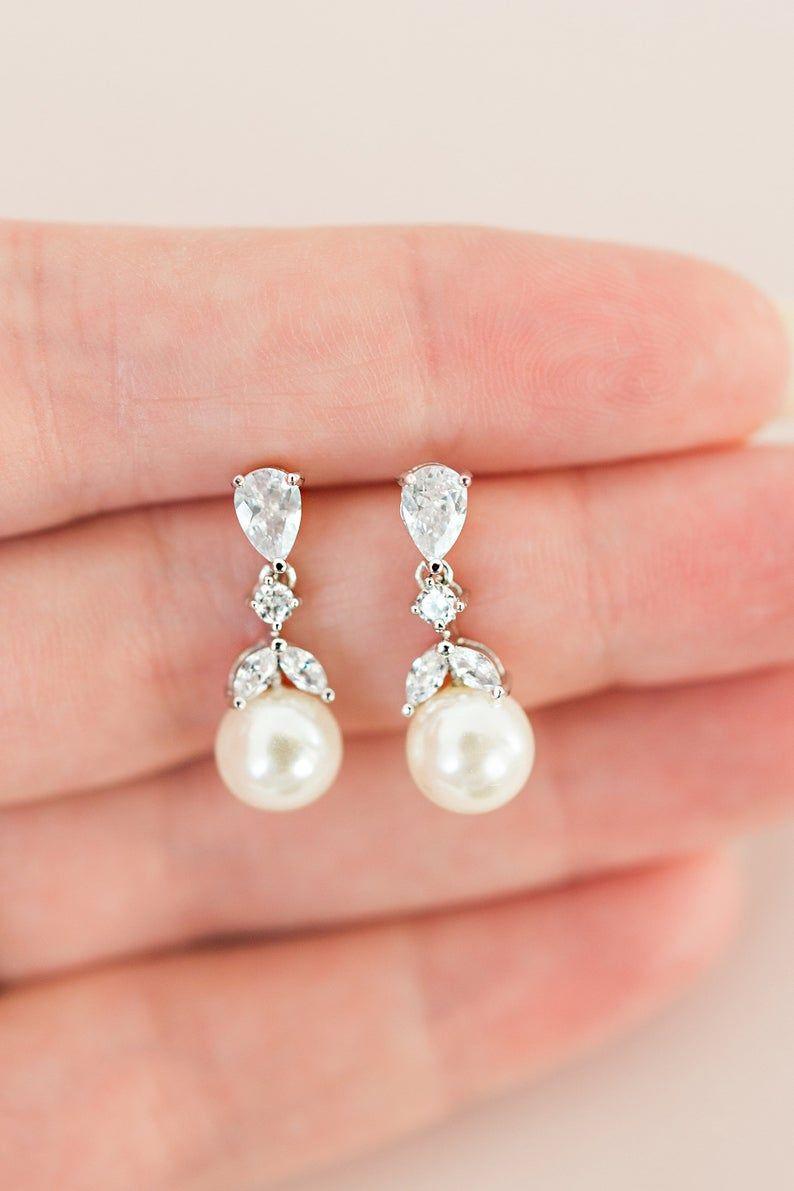 ARIELLA // Bridal drop earrings, silver wedding earrings, pearl wedding earrings, bridal earrings, w