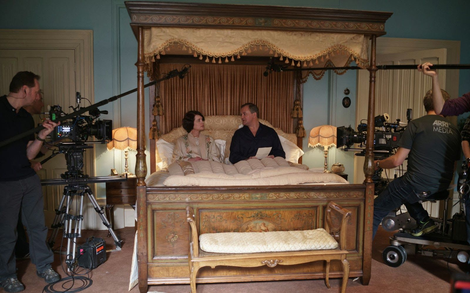 Downton Abbey - Lady Cora\'s bedroom - Behind the Scenes | Downton ...