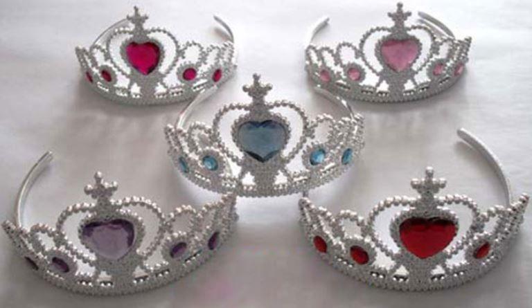 Prinsesstiara - 2/4/6/8/10 pack - Alla flickor har någon gång velat vara prinsessa. Dessa tiaras är perfekta till barnkalas eller utklädnadsfest