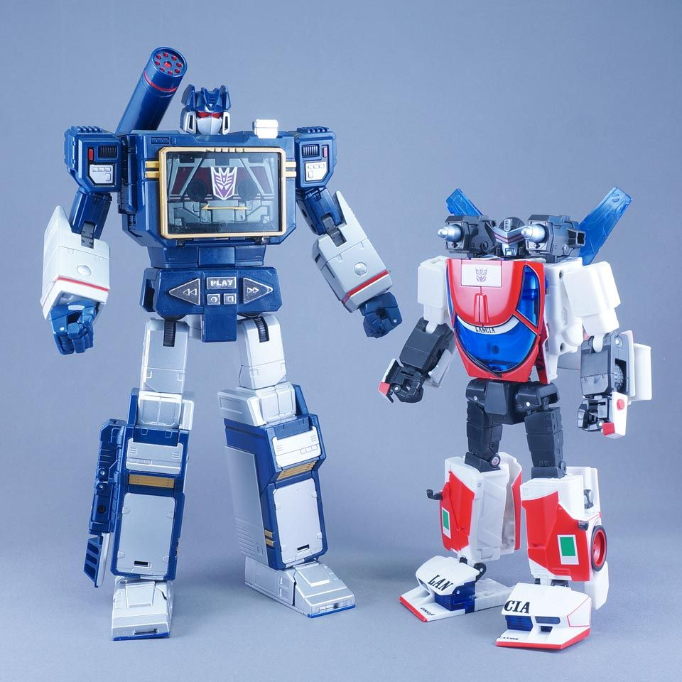 Transformers Masterpiece MP-23 Exhaust with MP-13 Soundwave