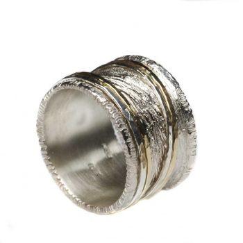 ausgefallenes Design - Bicolor Ring | Moderner Schmuck | Pinterest ...