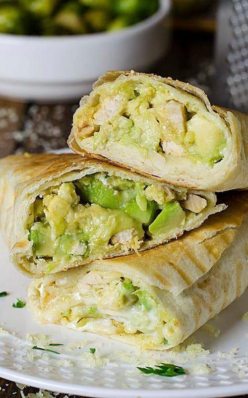 Recette Facile De Burritos Avec Du Poulet Et Des Avocats Recettes De Cuisine Recette Facile Recette Avocat