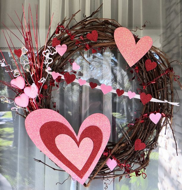 Valentine S Wreath Michael S Grape Vine Wreath And Spray Dollar Tree Hearts And Pi Valentine Wreath Diy Diy Valentines Day Wreath Valentines Day Decorations