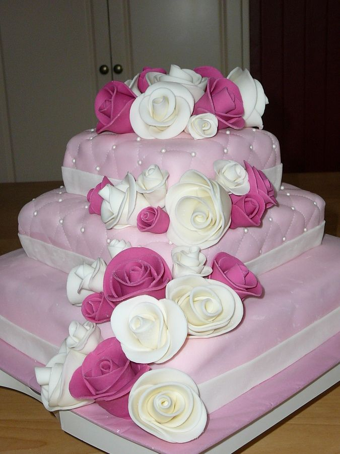 Design Of Cake For Anniversary : cake decorating ideas ... Cake With Roses anniversary ...
