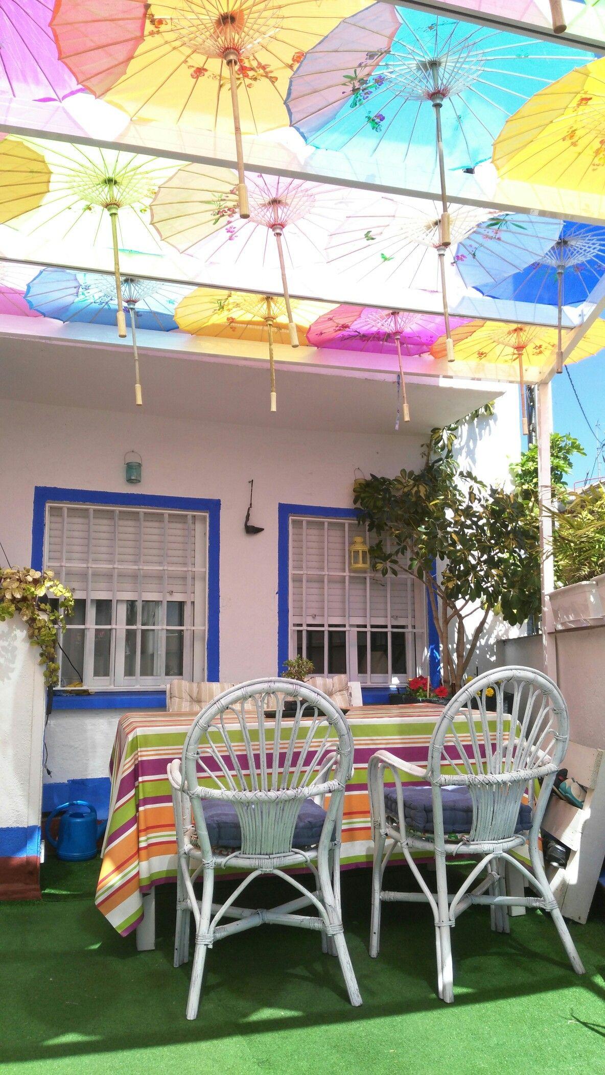Sombrillas chinas colores para la terraza terrazas for Alcampo sombrillas terraza