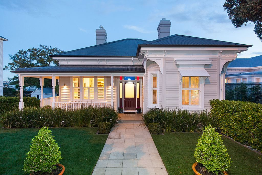 Classical return-verandah colonial villa - 288A Jervois Road ...