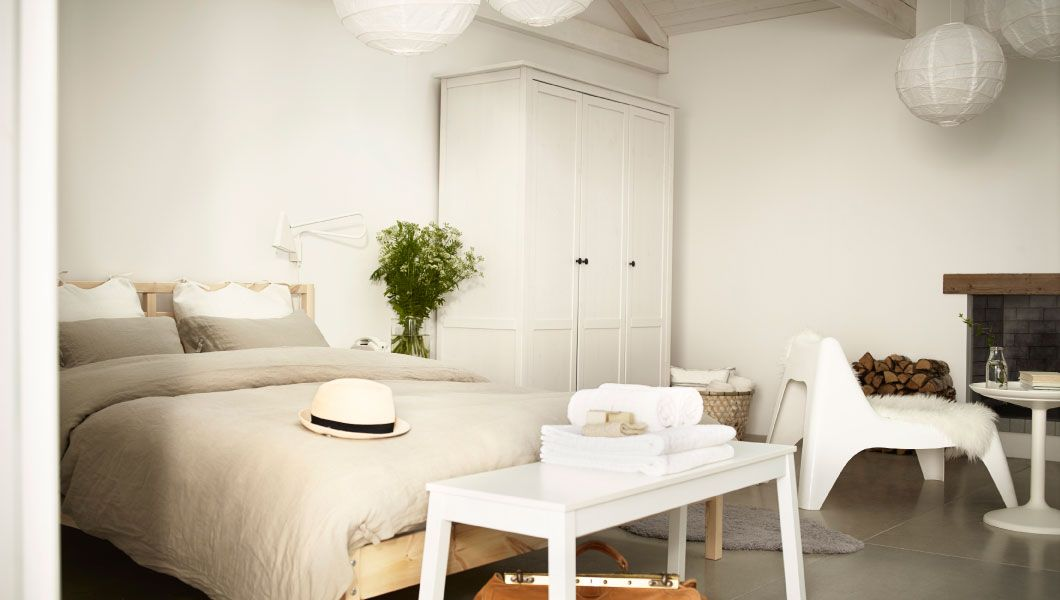 Gästezimmer in einem B eingerichtet mit TARVA Bettgestell in Kiefer ...