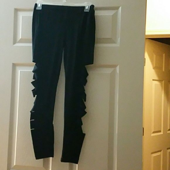 Slashed black leggings Good condition ,  I bought it as ONE SIZE but it think it's a medium / large Accessories