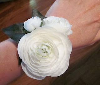 Bonnieprojects Silk Floral Bouquets Boutonnieres And Corsages Wrist Flowers For Prom Silk Flower Corsage Wrist Corsage