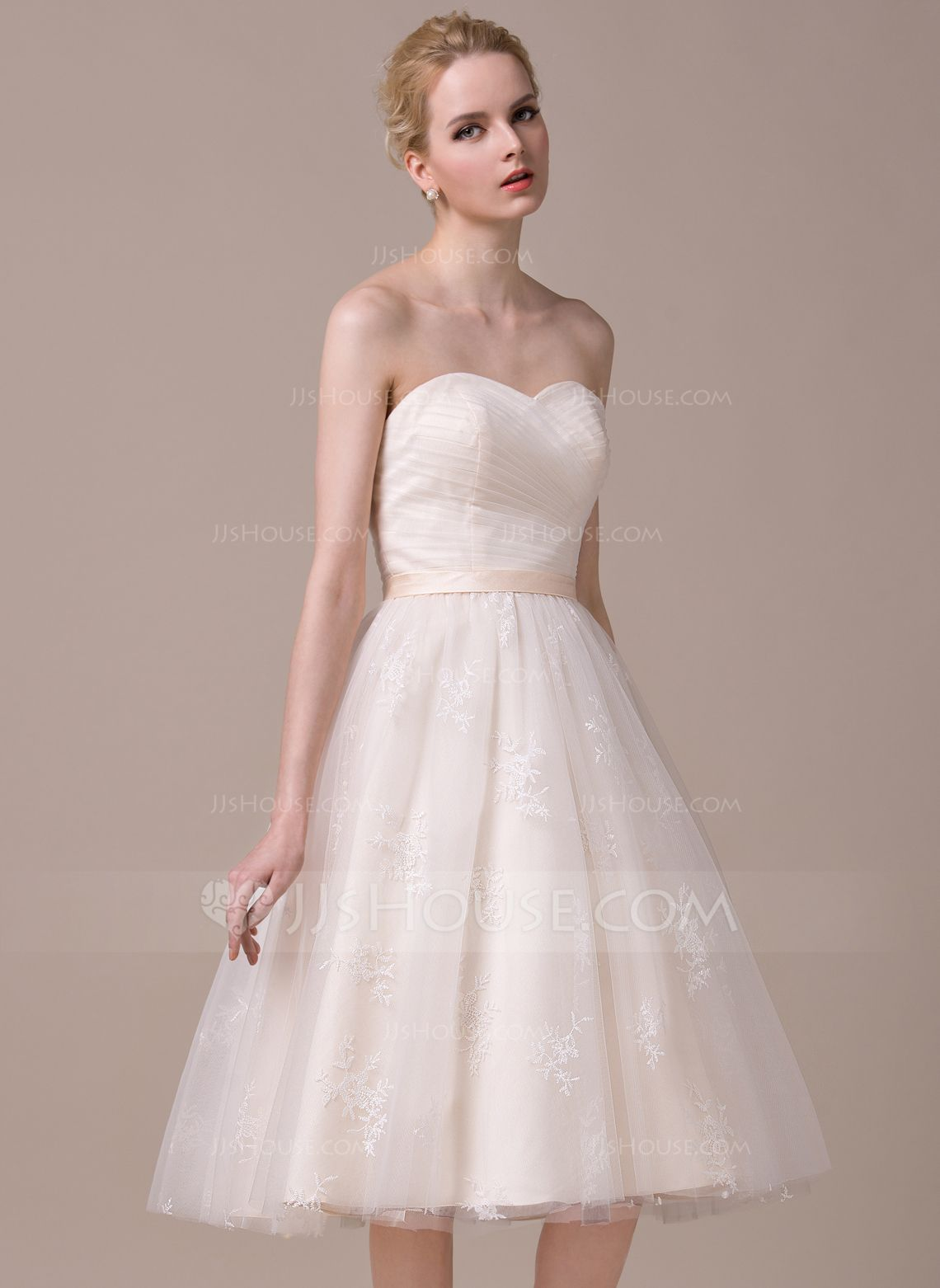 A-Line/Princess Sweetheart Knee-Length Ruffle Lace Up Strapless Sleeveless Hall Reception General Plus No Spring Summer Fall Other Colors Tulle Lace Wedding Dress