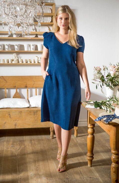 Retro V-Neck Dress (Plus Size) 05/2015 #133 | Burda plus | Pinterest ...