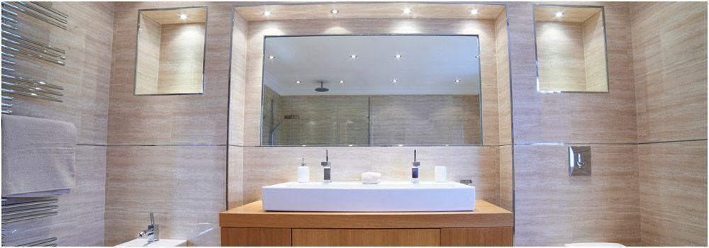 Green Shower Salle De Bain En Longueur Vert Fluo Bathroom In The Length Neon Green Green Bathroom Bathroom Design Bathroom Decor