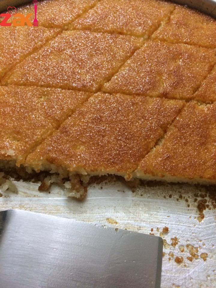 البسبوسة الشهية بطريقة سهلة و بهية ولا أرووووع منها زاكي Desserts Cake Desserts Food