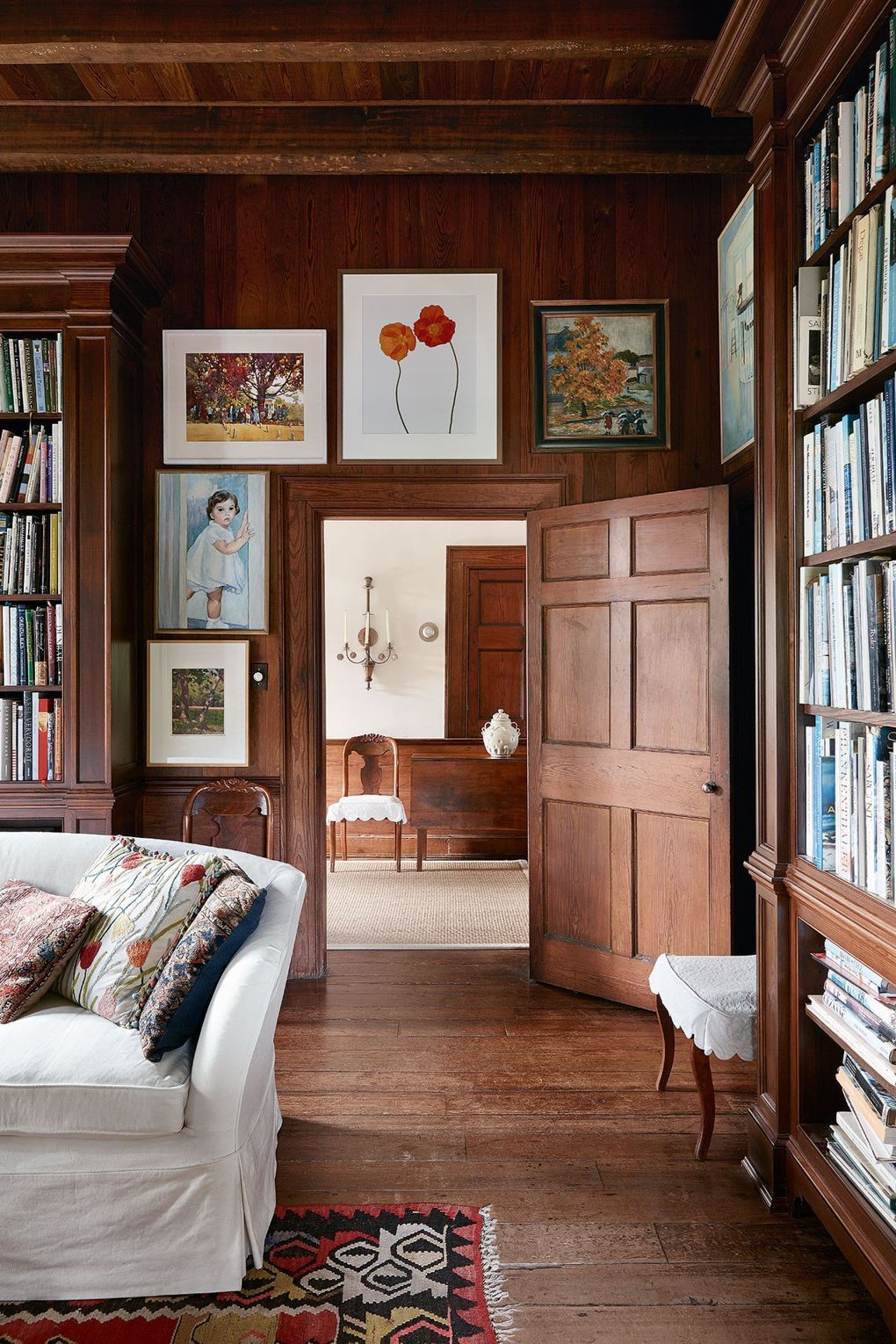 Wood Paneled Room Design: An Artist's Eighteenth-century House In Virginia