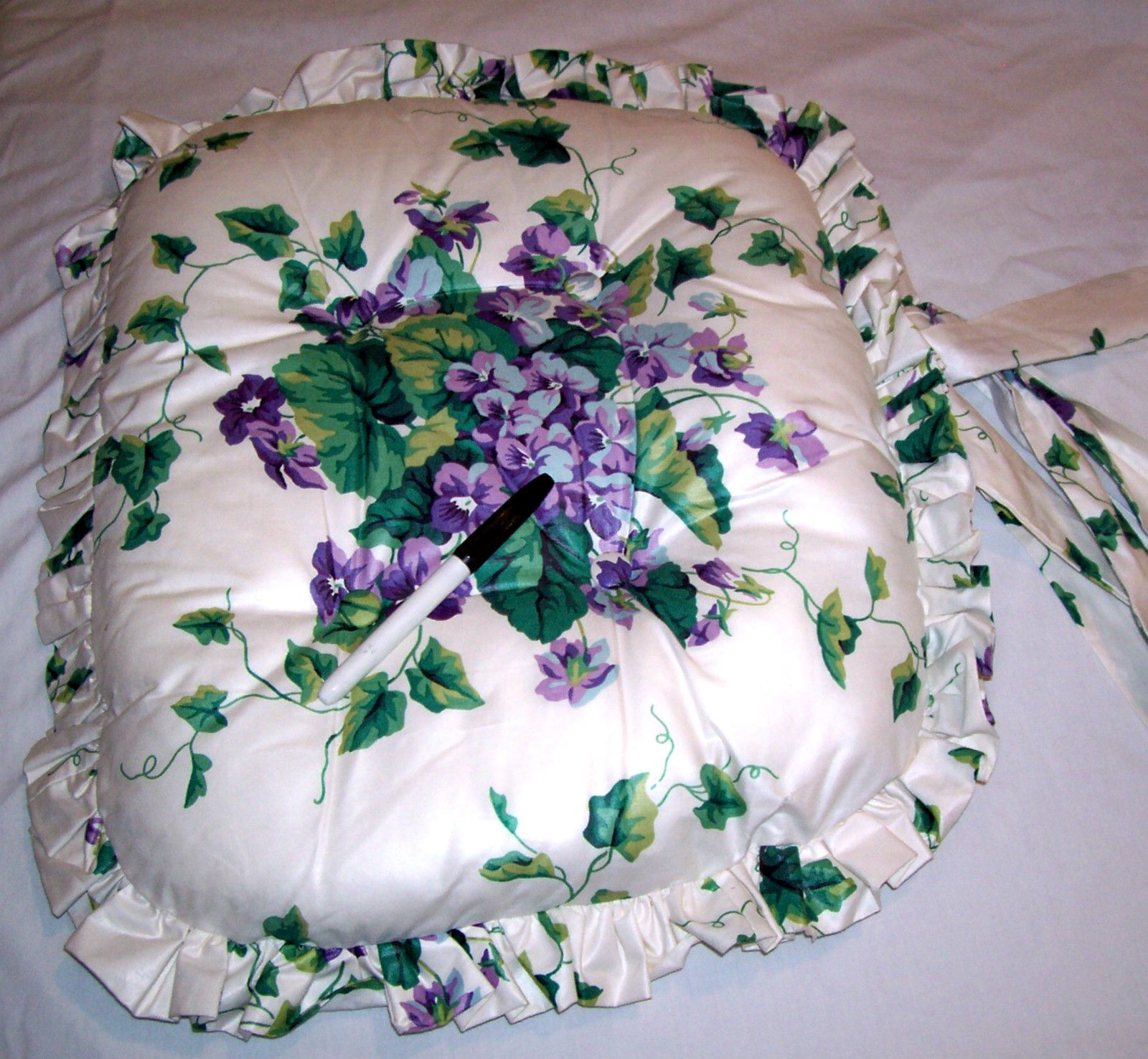 CUSTOM MADE RUFFLED CHAIR CUSHION WAVERLY SWEET VIOLETS COTTON SATEEN | EBay