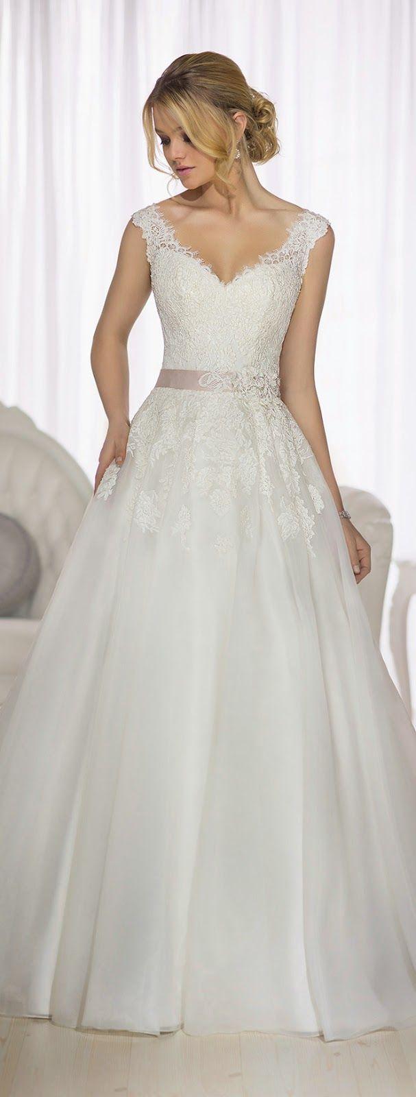 Petite dresses with sleeves for weddings  Preciosos Vestidos de Novia Essense of Australia  Primavera