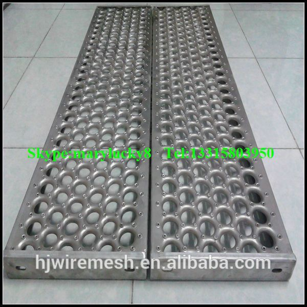 Anti skid perforated plank grating for walkway perforated for Catwalk flooring
