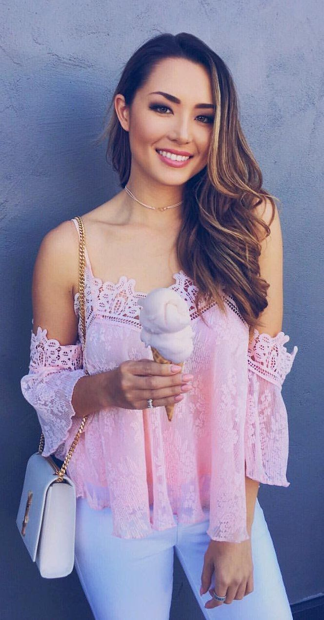 1af3bf2387d9e  spring  outfits Pink Lace Off The Shoulder Top + White Skinny Jeans