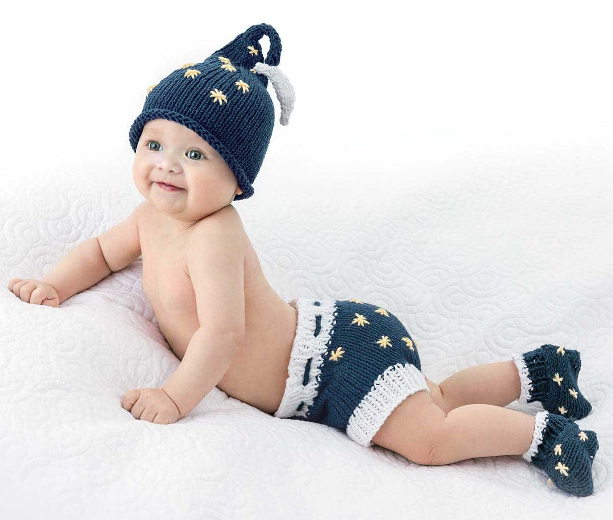 Diaper cover sets work socks bumble bees and knitting patterns diaper cover sets work socksknitting patterns bankloansurffo Gallery