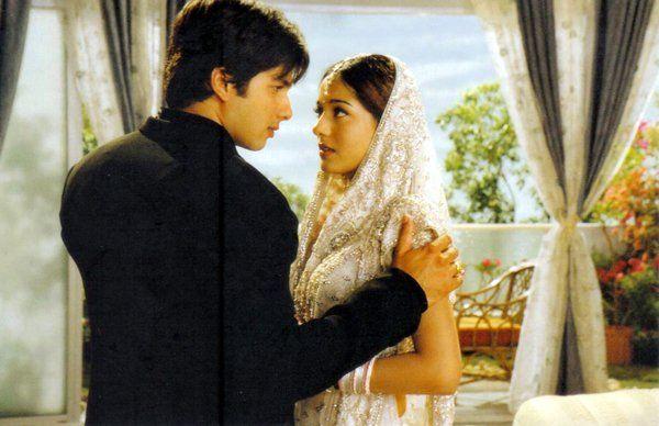 Shahid Kapoor And Amrita Rao From The Movie Vivah Romantic Photoshoot Beautiful Songs Amrita Rao