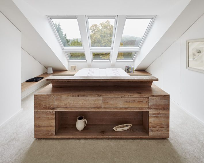 Schlafzimmer dachfenster holz dachausbau doppelbett hausbau - Dachgeschoss gestaltungsideen ...