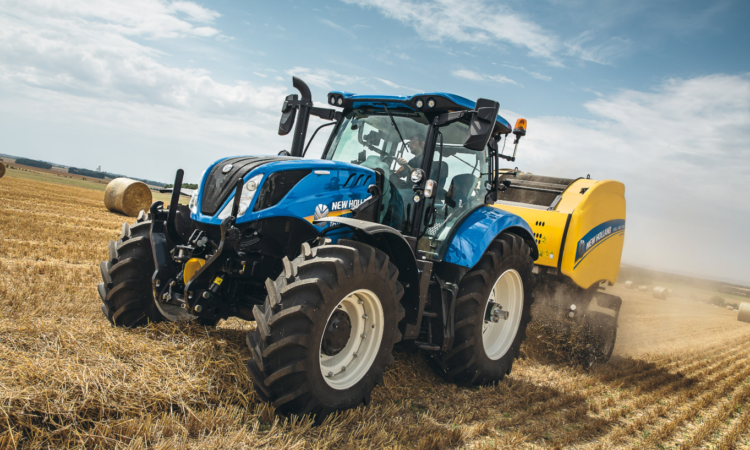 New Holland Extends The Acclaimed T6 Tractor Range Agriland Ie In 2020 Tractors New Holland Tractor New Holland