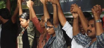 മഹാരാജാസ് കോളേജിലെ സമരം പിന്വലിച്ചു Check more at http://www.wikinewsindia.com/malayalam-news/anweshanam/kerala-anweshanam/%e0%b4%ae%e0%b4%b9%e0%b4%be%e0%b4%b0%e0%b4%be%e0%b4%9c%e0%b4%be%e0%b4%b8%e0%b5%8d-%e0%b4%95%e0%b5%8b%e0%b4%b3%e0%b5%87%e0%b4%9c%e0%b4%bf%e0%b4%b2%e0%b5%86-%e0%b4%b8%e0%b4%ae%e0%b4%b0%e0%b4%82/