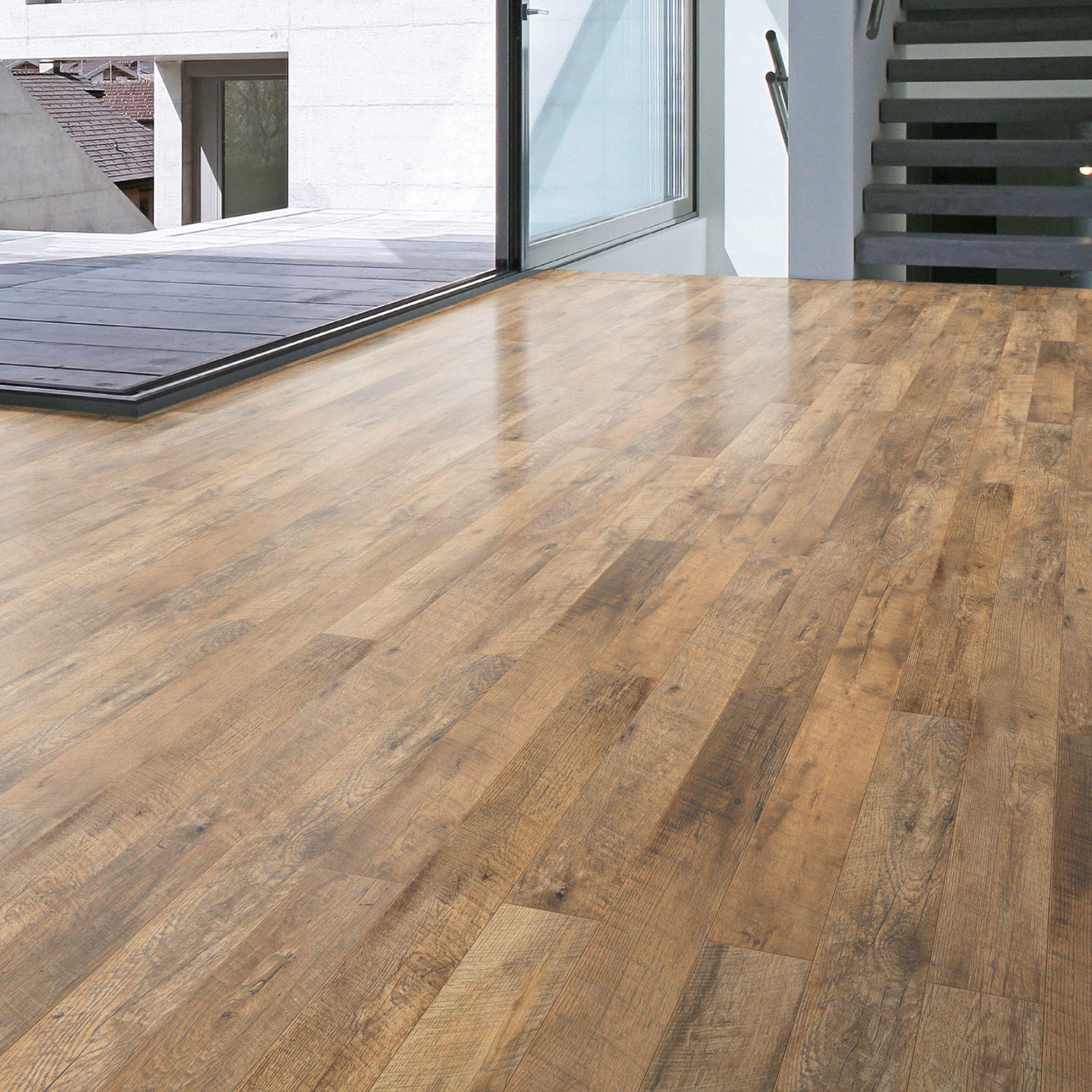 Guarcino Reclaimed Oak Effect Laminate Flooring 1.64 m²