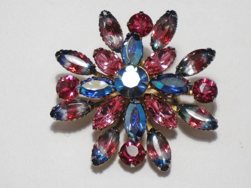Rhinestone brooch with three tone  givre stones