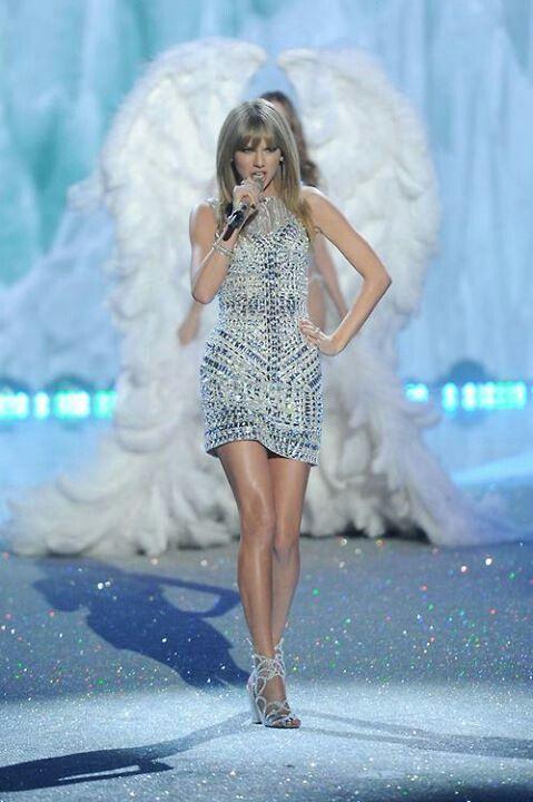 I Knew You Were Trouble - Victoria's Secret Fashion Show 11/13/13