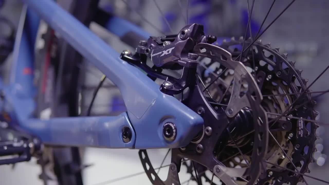 Boost? Super boost? 148mm? 157mm? Hub's can be confusing, luckily @doddstar1979 is on hand to help! . #gmbn #gmbntech #mountainbike #mountainbiking #bikelife #cycling #mtbtech #biketech