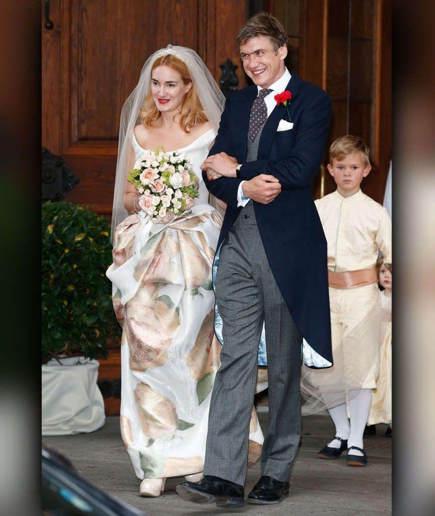 Hochzeit Im Hause Thurn Und Taxis Maria Theresia Heiratet Hugo Wilson Konigliche Hochzeitskleider Kleid Hochzeit Beruhmte Hochzeitskleider