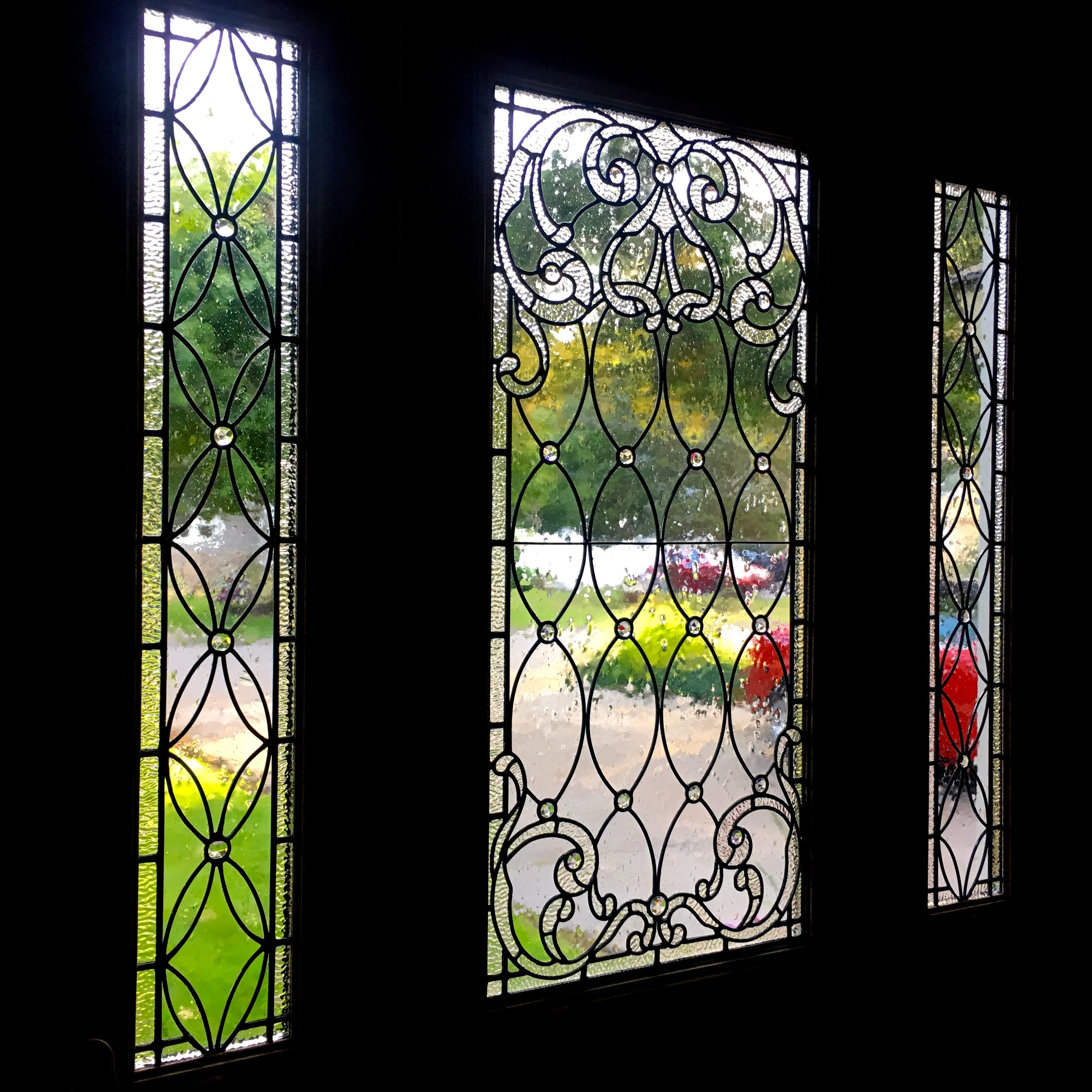 Amazing Leaded Glass Front Entry Door And Sidelights Crystal And Jewels Make This Piece A Masterpiece Jewels Leaded Glass Stained Glass Glass Front Door