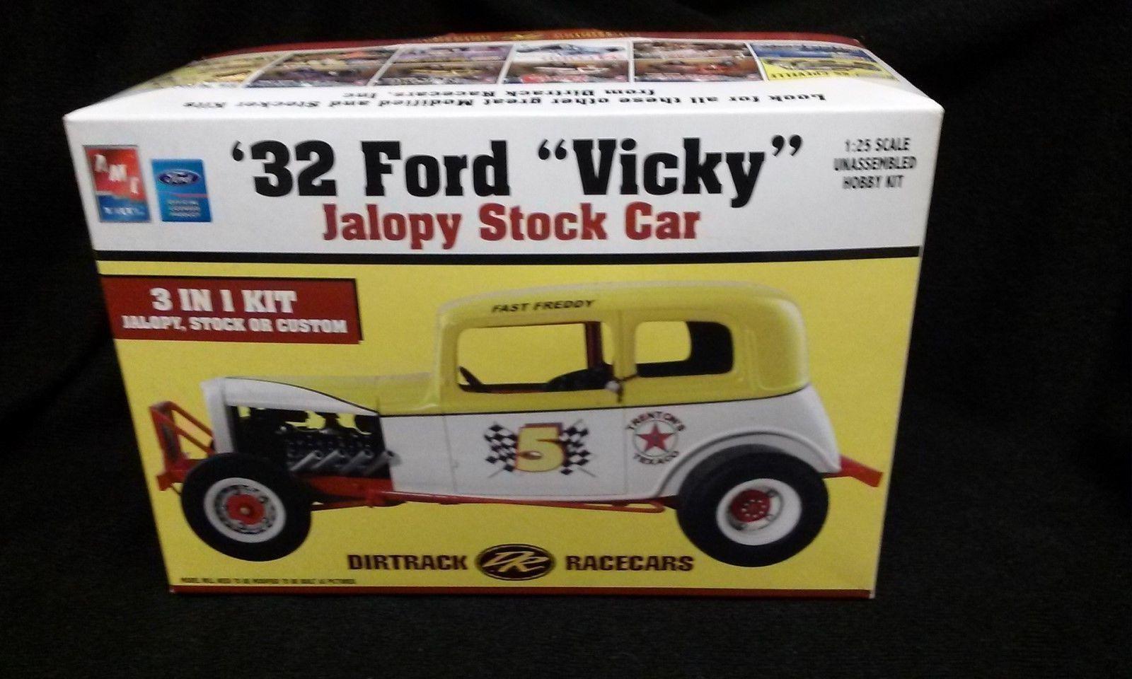 Amt 32 Ford Vicky Jalopy Stock Car Model Kit 21710 Opened 32