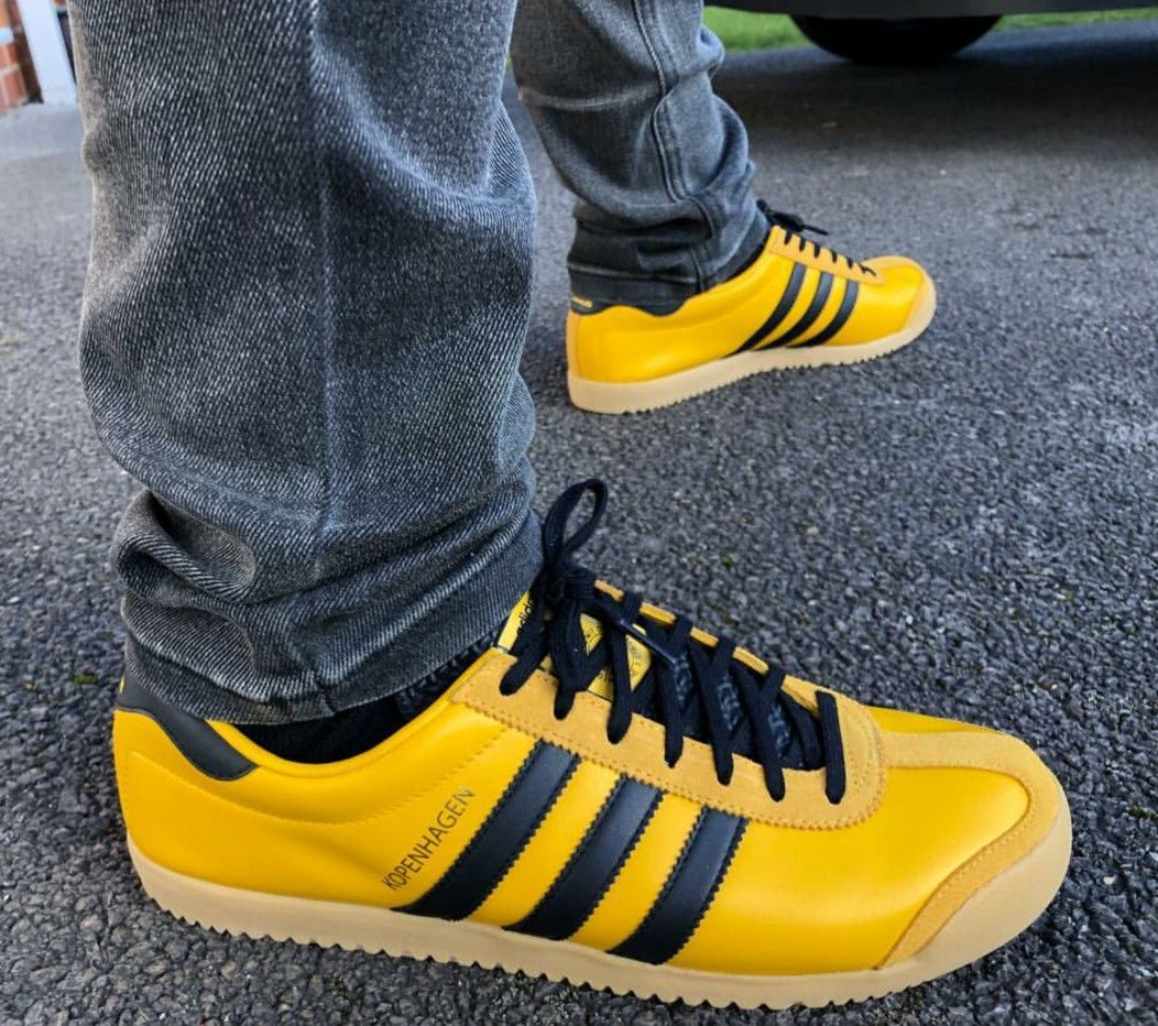 Adidas Kopenhagen on feet on the street | Черевики