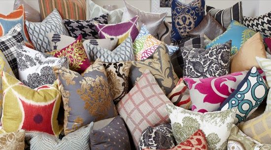 never too many pillows! www.roomcandy101.blogspot.com