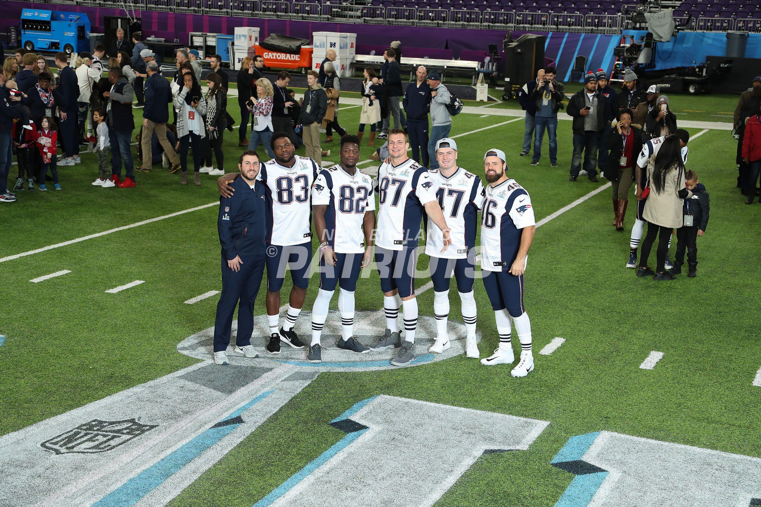 Patriots Sb Lii Team Photo Day Team Photos Patriots Team New England Patriots