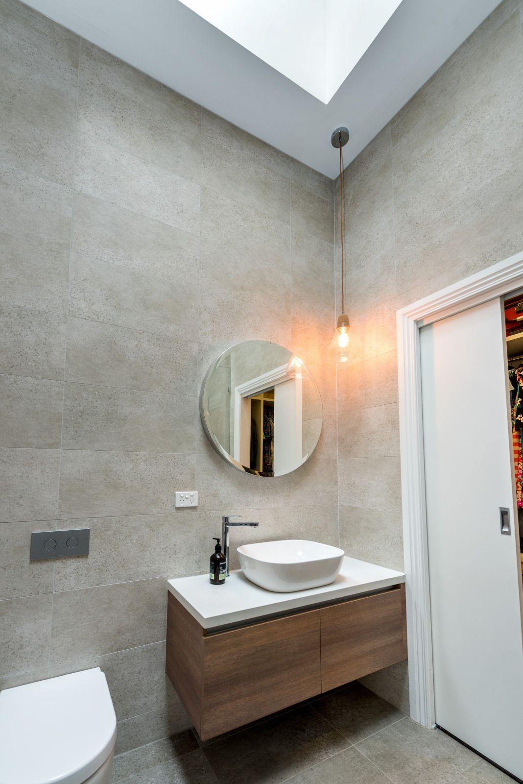 Pin By Rani Sankar On Interiors In 2019 Bathroom Lighting