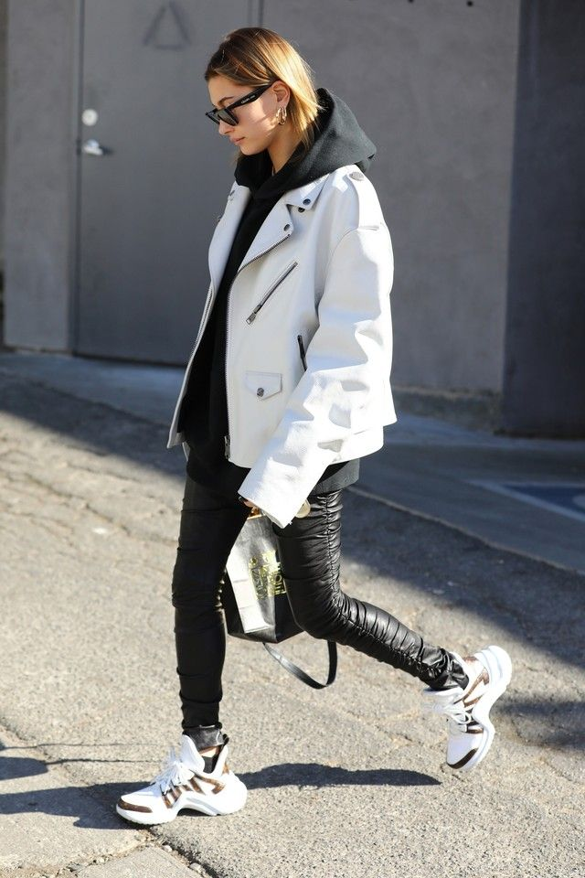 Hailey Baldwin Out And About On Looklive Hailey Baldwin Street Style Vuitton Outfit Fashion