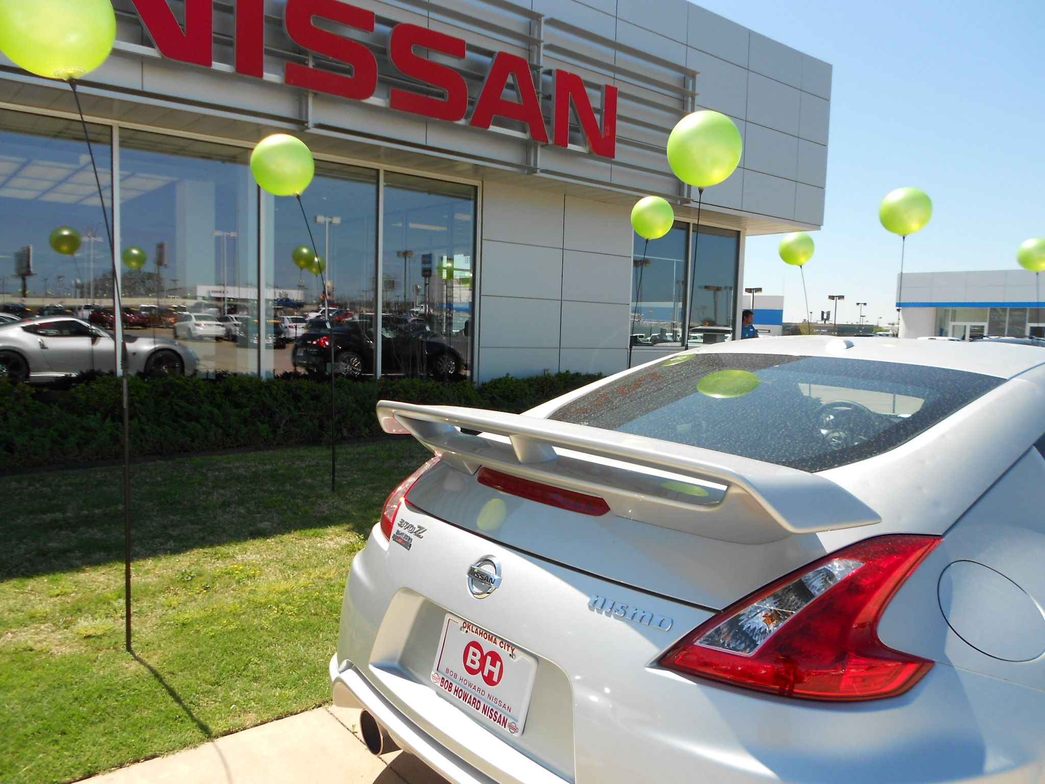 Bob Howard Nissan >> Come Get Behind The Wheel Of The Nissan 370z Bob Howard