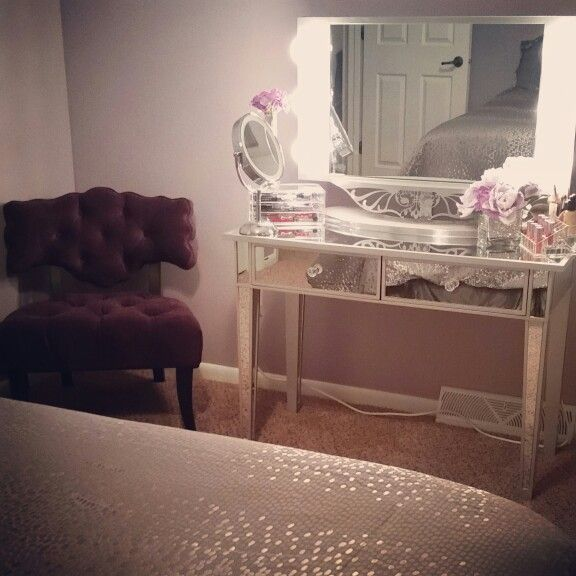 Desk And Chair From Amazoncom Mirror From Vanity Girl Hollywood In