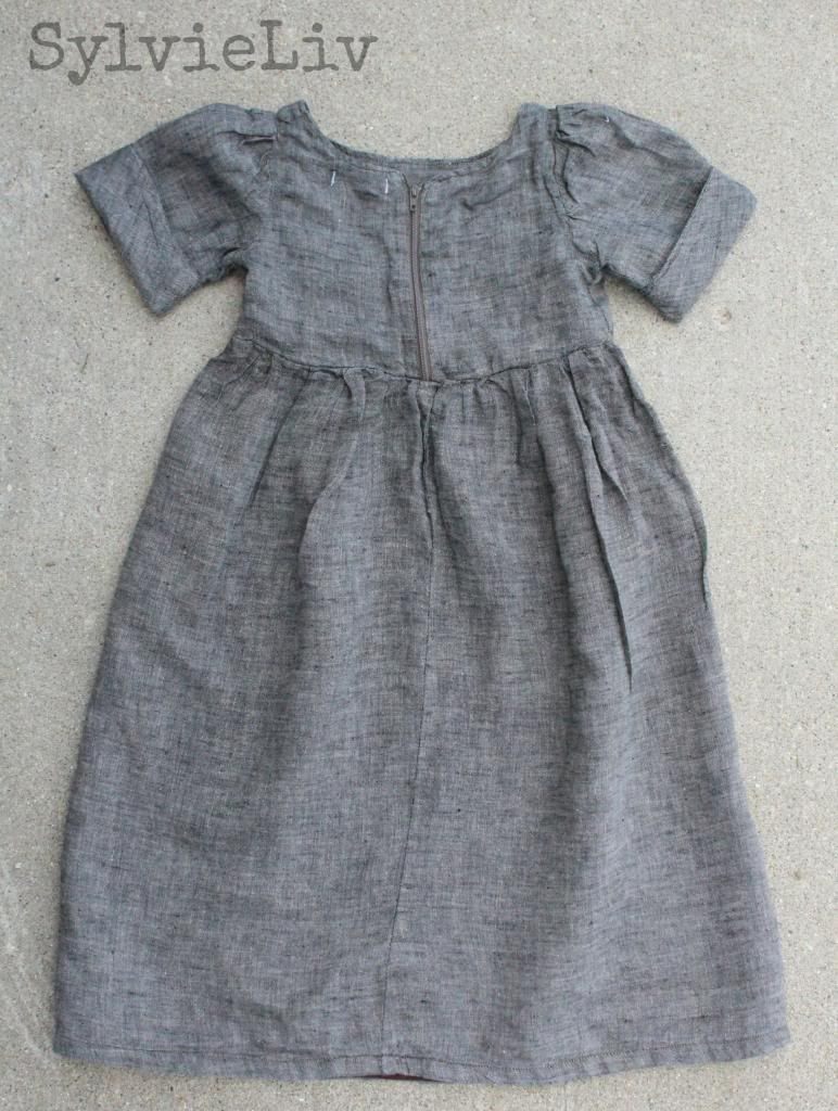 972261cd92f15 Sylvie Liv: Girls Linen Dress - tutorial with link to free pattern ...