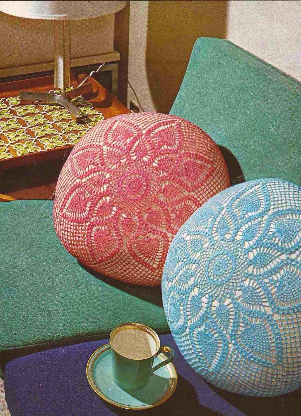 Patron almohadon circular crochet con piñas | cojines | Pinterest ...