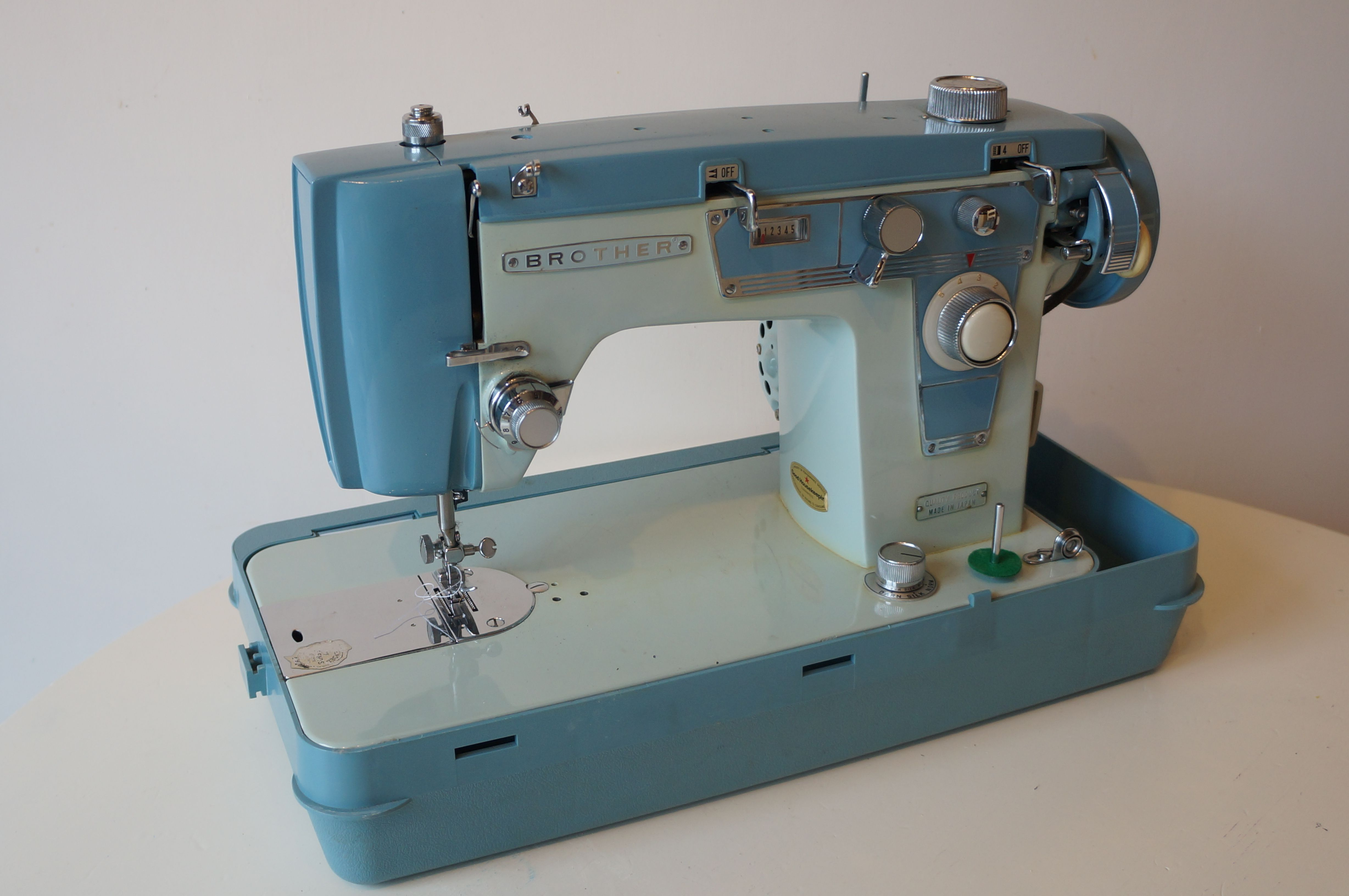 Vintage 1960s Brother Sewing Machine Lovely Blue With Chrome Features A Truly Beautiful Thing Sewing Machine Vintage Sewing Machine Brother Sewing Machines