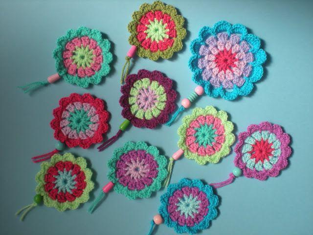 my world of wool: crochet flower garland