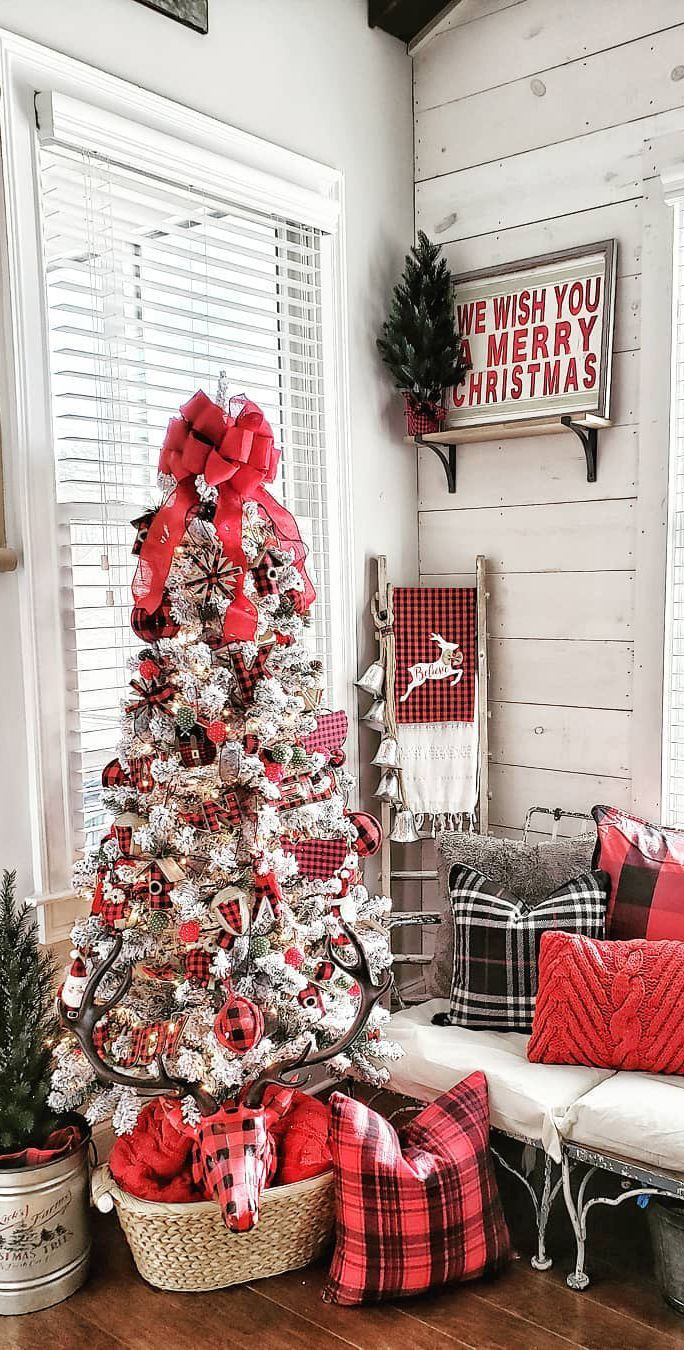 Holiday Home Tours | Images of Homes Decorated for Christmas